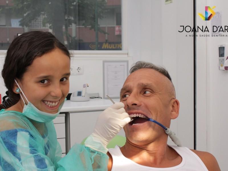 Pedro Henriques e a Filha ® Joana D´Arc